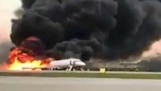VIDEO: pasajero graba momento en que su avión se estrelló contra la tierra