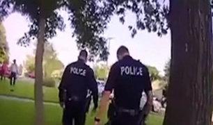 Policías tenían como misión intervenir fiesta y se quedaron a bailar
