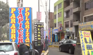 Mecánicos y vendedores informales invaden calles de Independencia y SMP