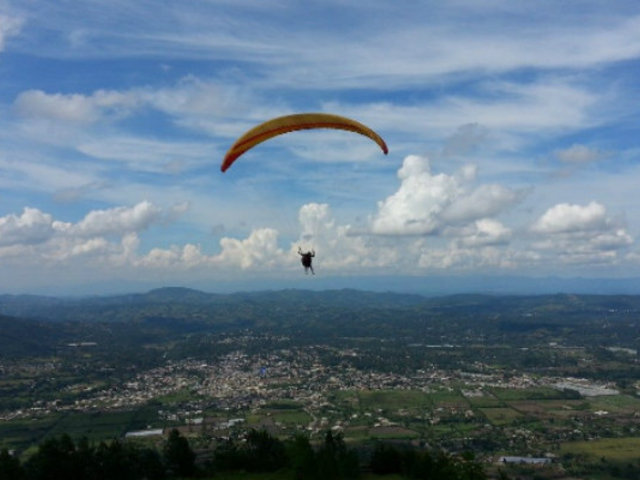Ayacucho: Juan Ortiz gana Open Parapente categoría Sport
