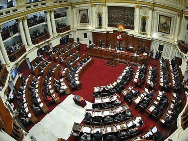 Salaverry cambió sesión del Pleno del Congreso para mañana viernes 14