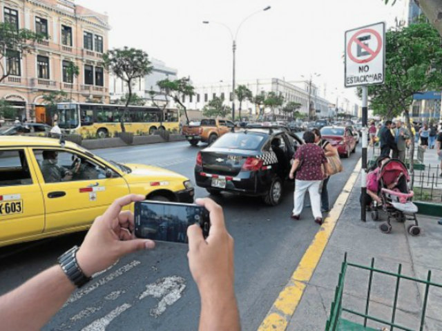 Conductores imprudentes no respetan señales de tránsito