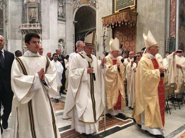 """Vaticano publica manifiesto donde condena la """"teoría de género"""""""