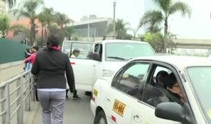San Borja: vehículos informales operan en alrededores de estación La Cultura
