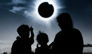 Eclipse solar total deslumbró a miles de personas en Sudamérica