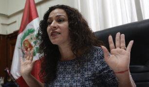 """""""Necesito lentes"""", dijo Chacón sobre confusión entre bandera de Austria con la de Perú"""