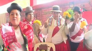 """Perú vs Brasil: """"Mamachas"""" hacen pago a la tierra por la bicolor"""