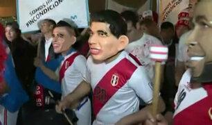 Selección peruana: hinchas esperan llegada de 'bicolor' en aeropuerto Jorge Chávez