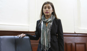 Arlette Contreras disconforme tras sentencia contra Adriano Pozo