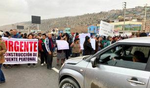 Lurín: bloquean Panamericana Sur exigiendo reparación de puente peatonal