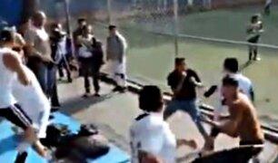 Padres de familia protagonizan batalla campal en partido de fútbol infantil