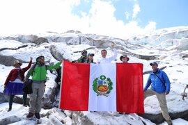 Presidente Vizcarra visitó expedición científica en nevado Huascarán