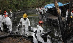 Petroperú controló fuga de crudo tras nuevo atentado contra oleoducto