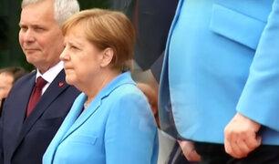 Alemania: Angela Merkel tiembla por tercera vez en acto oficial