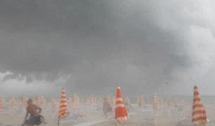 Italia: fuerte tormenta provocó huida de bañistas