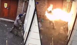 Reino Unido: sujeto intenta incendiar sinagoga y termina envuelto en llamas