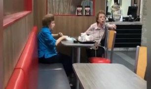 EEUU: clientas discriminan a gerente de restaurante por hablar español