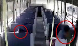 India: cámara al interior de un bus capta accidente