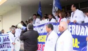 Federación Médica Peruana anuncia huelga nacional tras incumplimiento de sus demandas