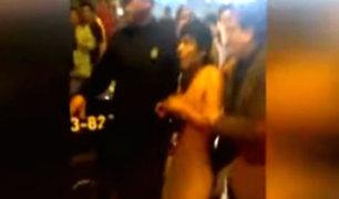 Los Olivos: vecinos desnudan y casi linchan a presuntos delincuentes
