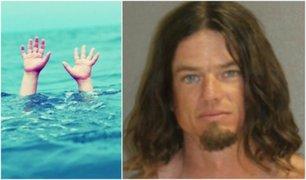 Hombre es detenido por arrojar al mar a su hijo para que aprenda a nadar