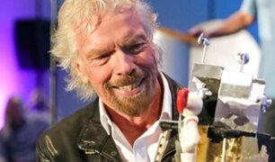 Richard Branson celebró su cumpleaños 69 años con los astronautas del Apollo 11