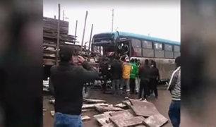 Accidente en VES: exceso de velocidad sería causa de choque entre bus y tráiler