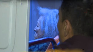 Chorrillos: vecinos rescatan a anciana de voraz incendio