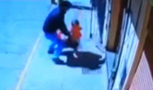 Puno: padre salva a su hija de ser arrollada por camión