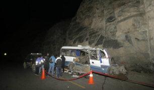 Canta: al menos 19 muertos y varios heridos deja choque de coaster contra cerro