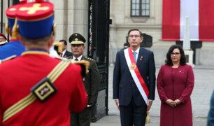 Fiestas Patrias: José Miguel Valdivia opina sobre look de los políticos