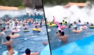 """China: """"Tsunami artificial"""" en parque acuático deja 44 heridos"""