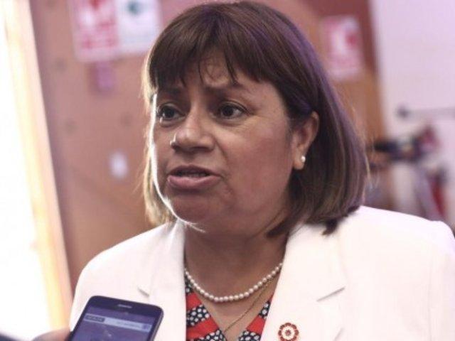 Moquegua: ministra Zulema Tomás anunció tregua de 72 horas y desbloqueo de carretera