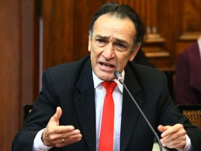 Héctor Becerril: subcomisión admite denuncia por caso 'Los temerarios del crimen'