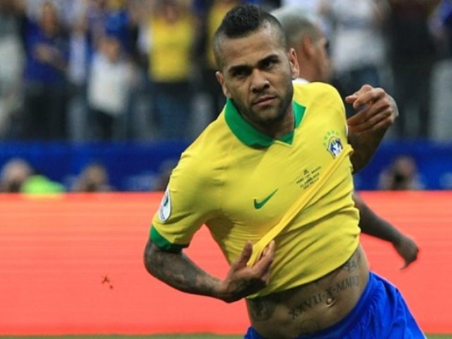Perú vs. Brasil: Dani Alves explica su polémico mensaje