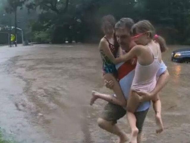 EEUU: padre de familia salva a sus hijas de inundación