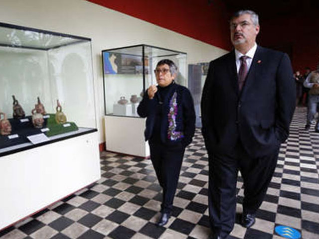 Nuevo ministro de Cultura se compromete a renovar Museo Nacional de Arqueología
