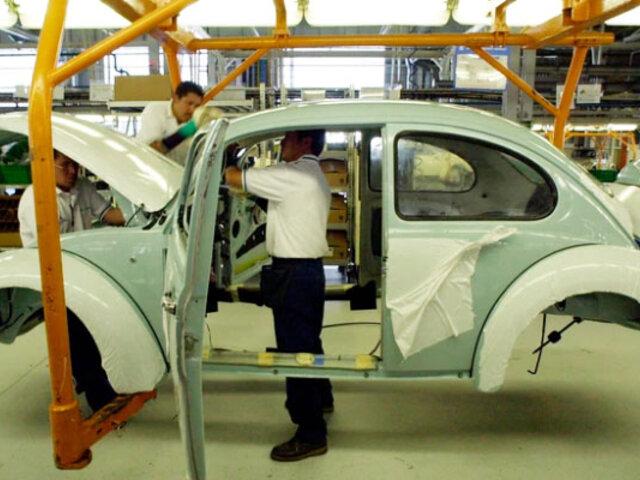 """México: Volkswagen dejó de fabricar el modelo """"escarabajo"""""""