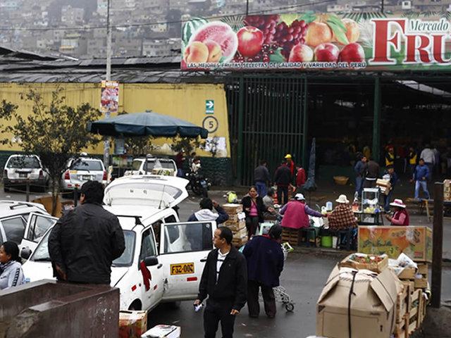 Mercado de Frutas: representante niega cobro de cupos en centro de abastos