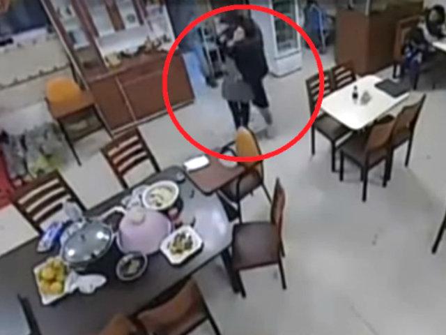 Ate: delincuentes armados asaltan chifa en Huaycán