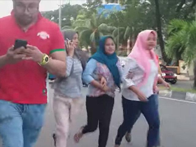 Indonesia: momentos de pánico se vivieron durante sismo de 7.3 grados