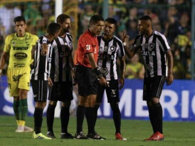 Futbolista brasileño sufrió dos infartos durante entrenamiento
