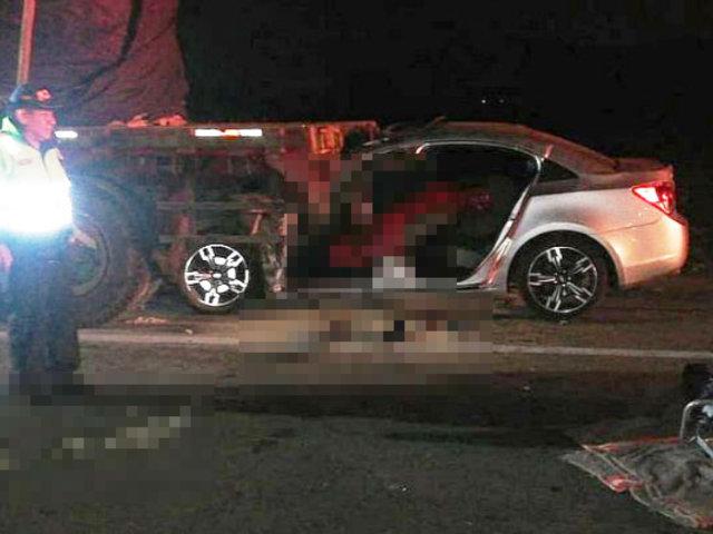 Mala: tres muertos deja choque de auto con tráiler en la Panamericana Sur