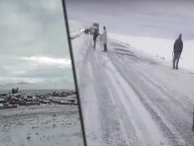 Carretera Arequipa - Puno - Cusco: vehículos quedan varados por intensa nevada
