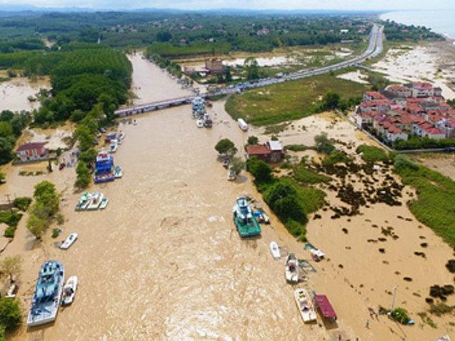 Turquía: continúa la búsqueda de desaparecidos tras fuertes inundaciones