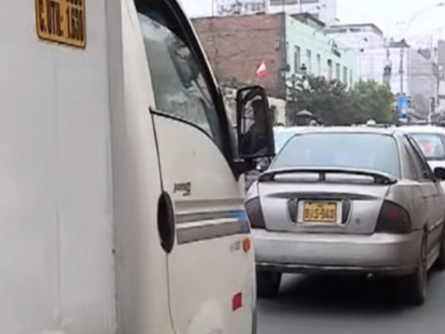 Congestión generó cierre de avenidas por maratón