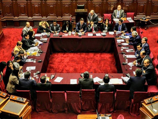 Comisión Permanente debatió si son o no congresistas