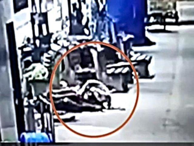 India: captan a pareja secuestrando a niña que dormía en estación de tren