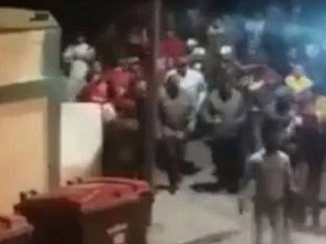 Ecuador: azotan a venezolanos que habrían robado un  auto