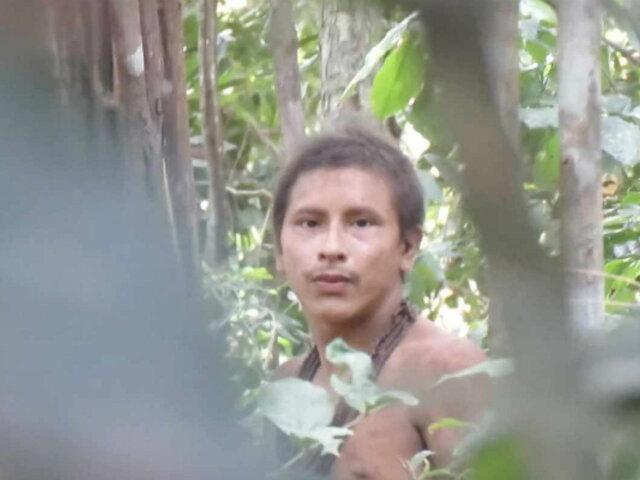 Brasil: registran en video a miembro de tribu no contactada del Amazonas
